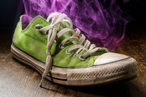 10 Home Remedies to Eliminate Foot Odor